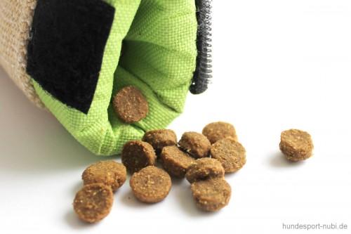 Julius K9 Futterohr, Futterdumy mit Leckerchen - Hundespielzeug günstig online kaufen bei Hundesport Nubi