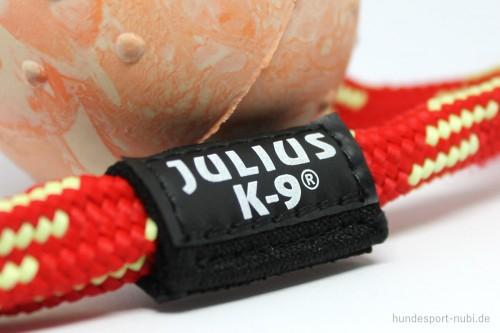 Ball aus Naturkautschuk mit Griff von Julius K9, Logo - Hundespielzeug günstig kaufen