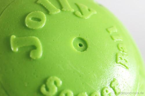 Jolly Soccer Ball - Detail - Hundespielzeug günstig online kaufen bei Hundesport Nubi